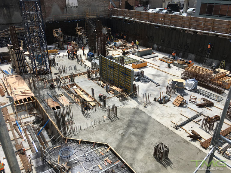 1 Yorkville construction 13 - May 2017