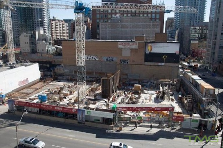 E Condos construction 6 - May 2016