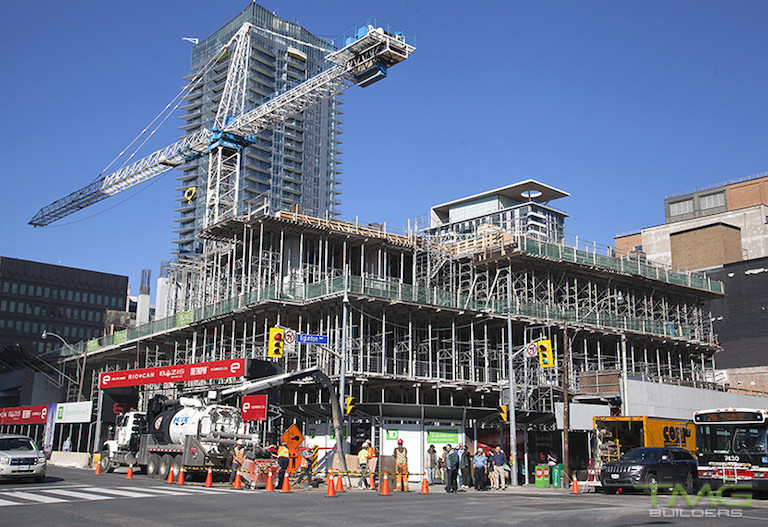 E Condos construction 8 - October 2016